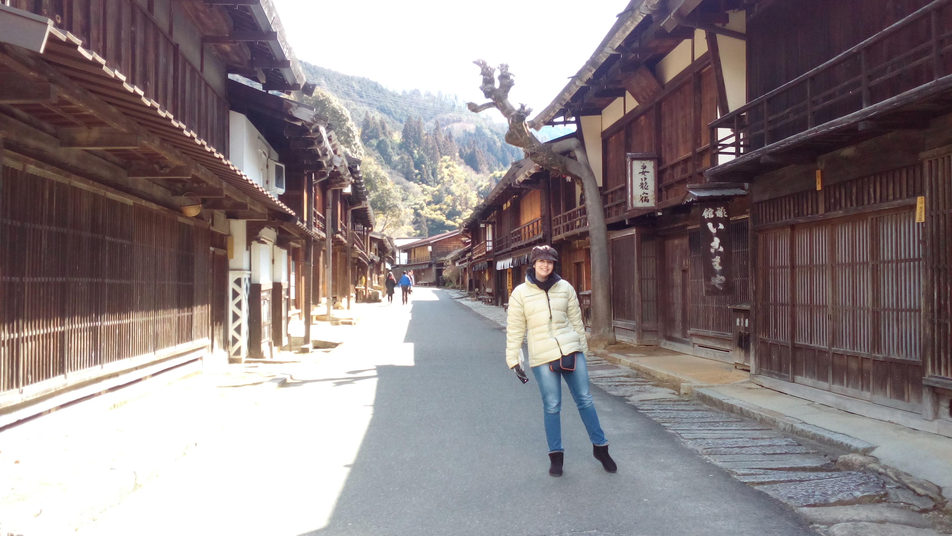 La escritora y bloguera Déborah F. Muñoz en Tsumago, Japón