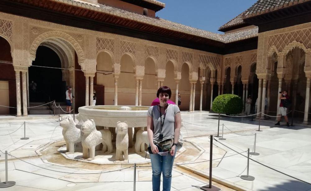 Déborah F Muñoz en la alhambra - Granada
